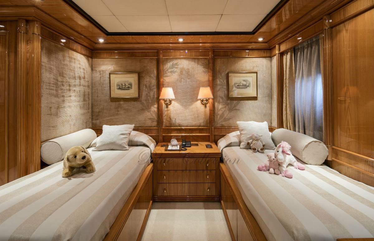 Luxury_Yacht_for_Charter_Mykonos_Greece_MY_JAAN (29)