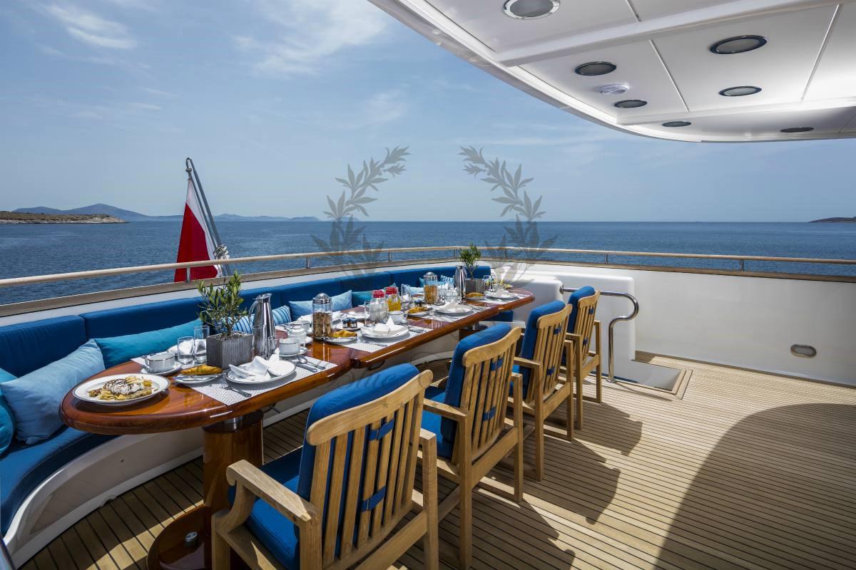 Luxury_Yacht_for_Charter_Mykonos_Greece_MY_JAAN (3)
