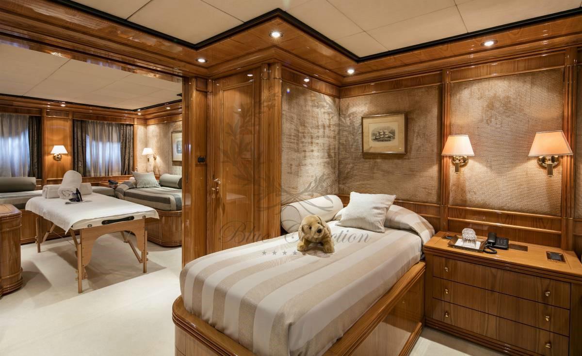 Luxury_Yacht_for_Charter_Mykonos_Greece_MY_JAAN (30)