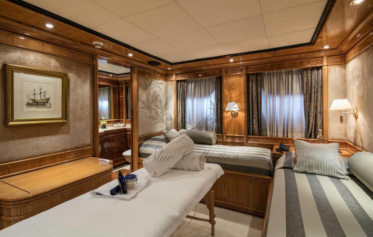 Luxury_Yacht_for_Charter_Mykonos_Greece_MY_JAAN (32)