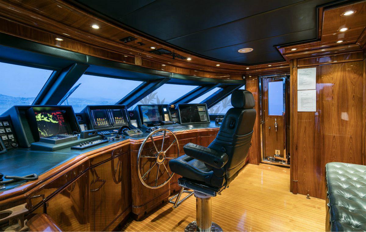 Luxury_Yacht_for_Charter_Mykonos_Greece_MY_JAAN (45)