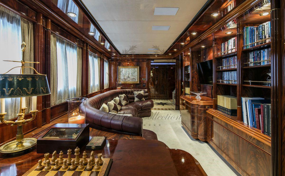 Luxury_Yacht_for_Charter_Mykonos_Greece_MY_JAAN (6)