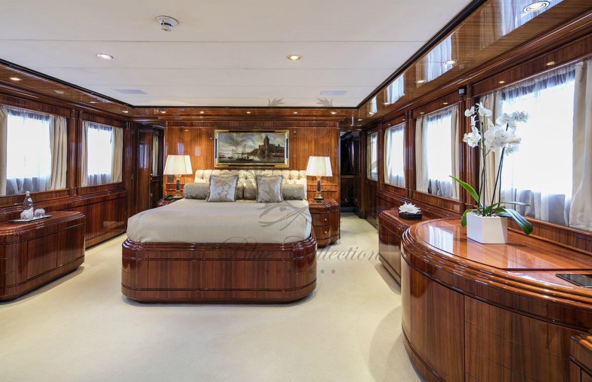 Luxury_Yacht_for_Charter_Mykonos_Greece_MY_JAAN (7)