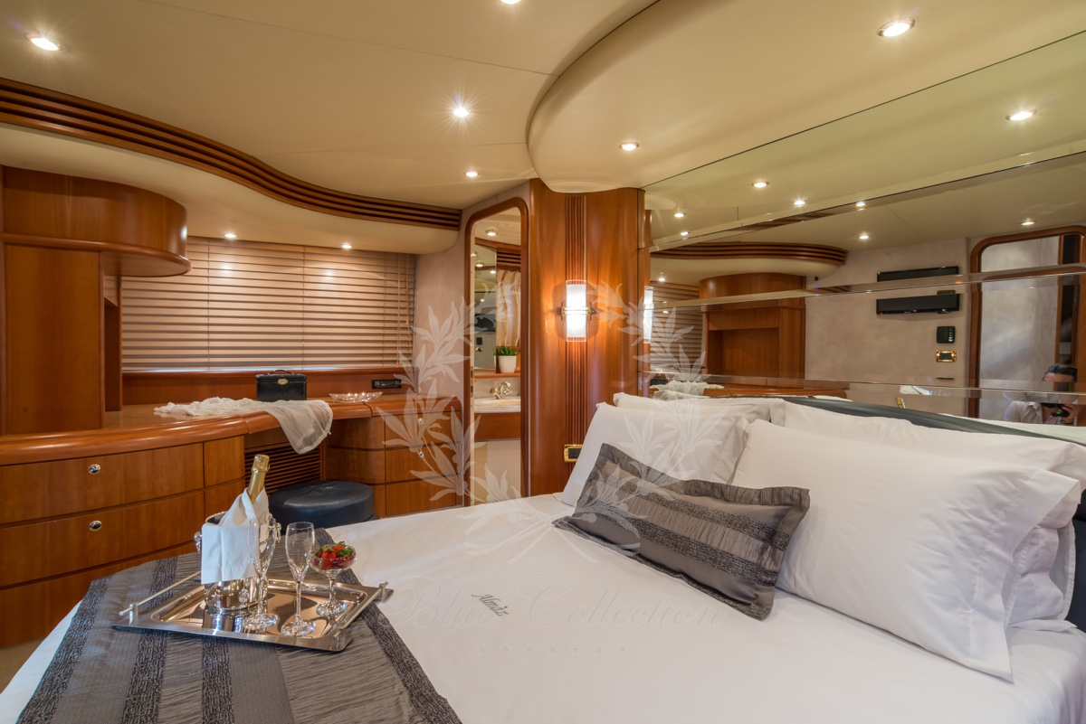 Luxury_Yacht_for_Charter_Mykonos_Greece_Almaz_8