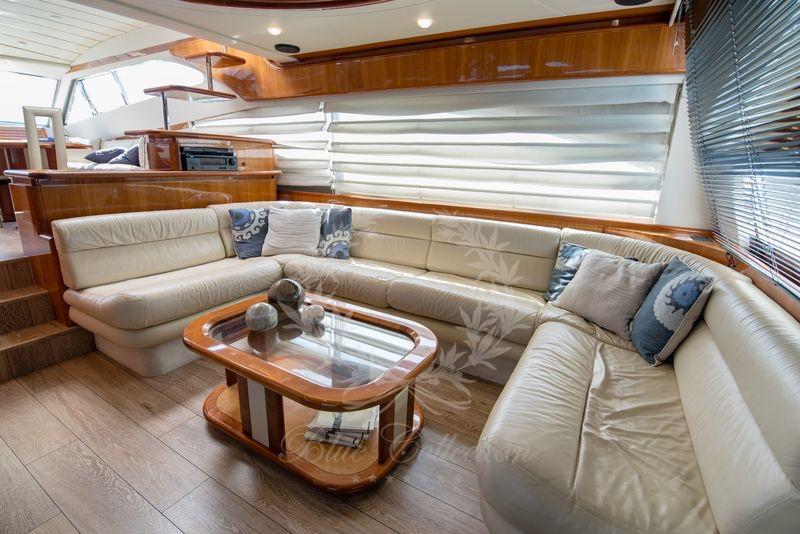 Luxury_Yacht_for_Charter_Mykonos_Greece_Ananas_10