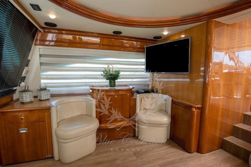 Luxury_Yacht_for_Charter_Mykonos_Greece_Ananas_11