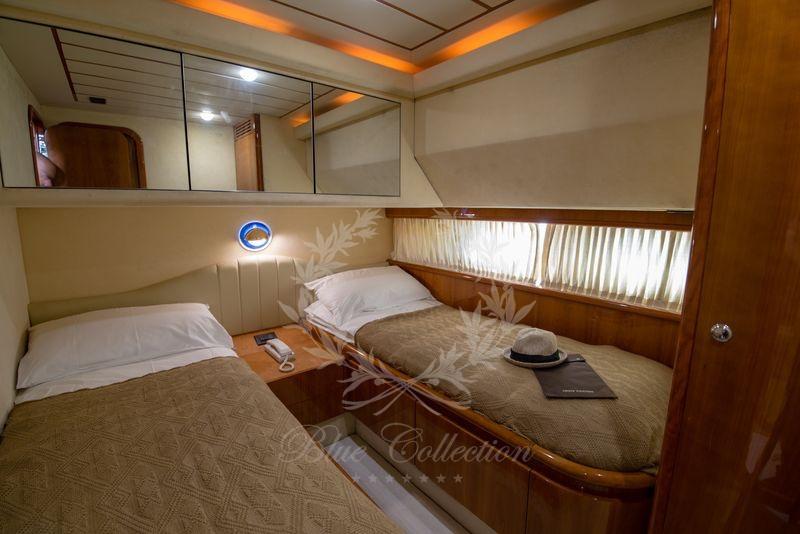 Luxury_Yacht_for_Charter_Mykonos_Greece_Ananas_13