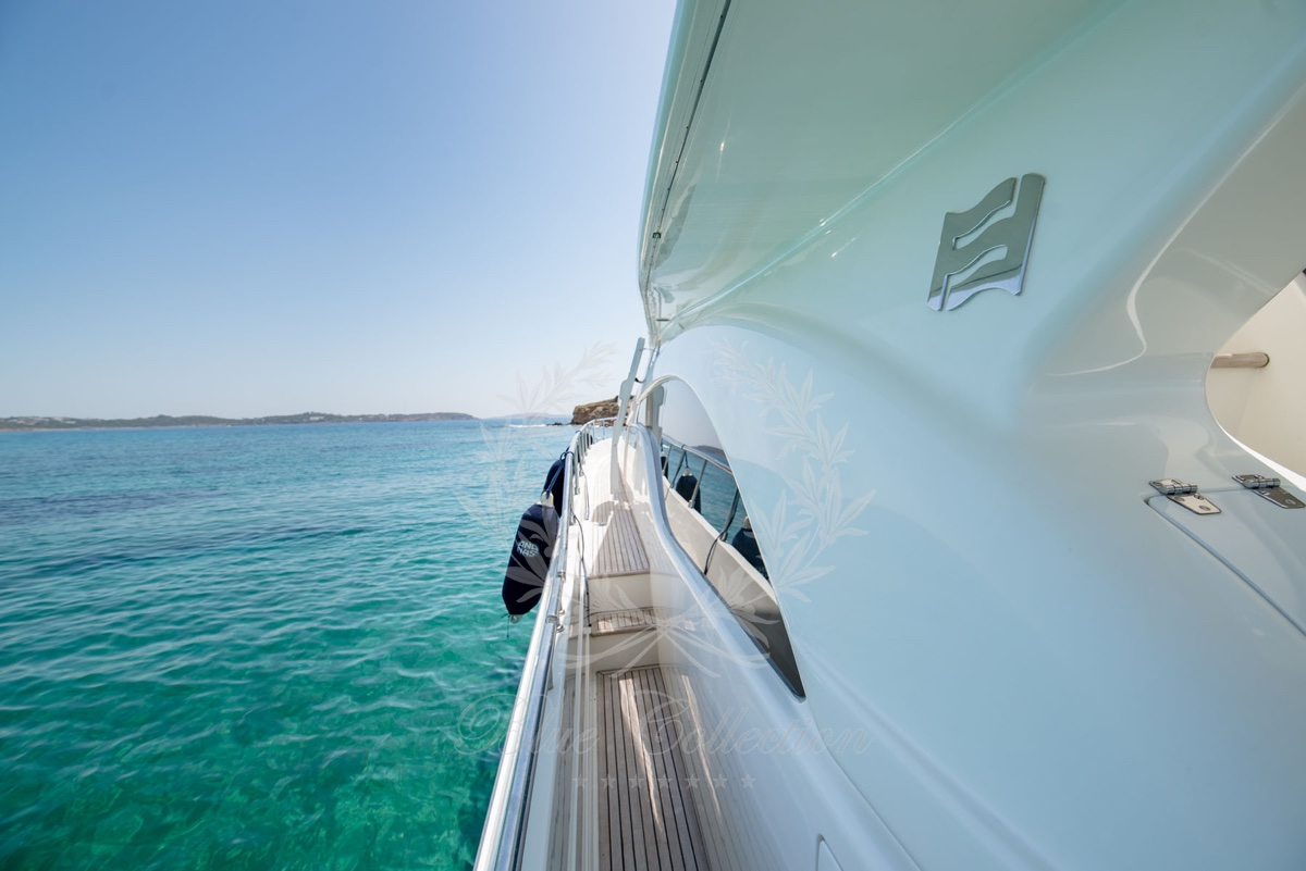 Luxury_Yacht_for_Charter_Mykonos_Greece_Ananas_3