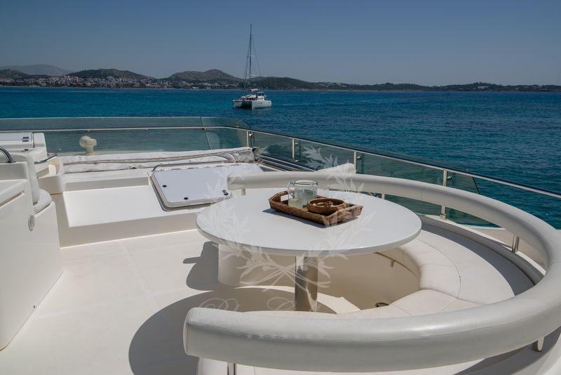 Luxury_Yacht_for_Charter_Mykonos_Greece_Ananas_6