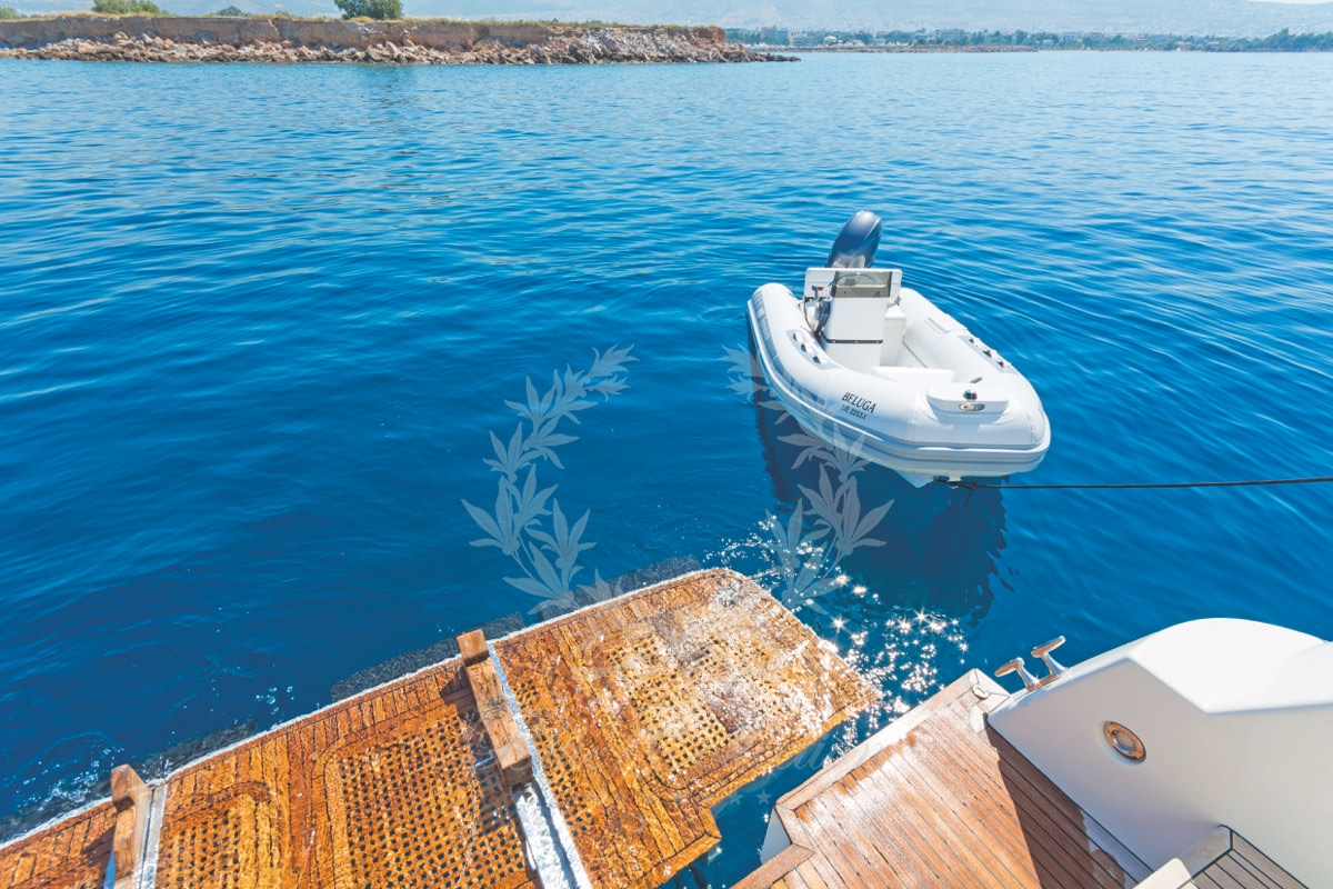 Luxury_Yacht_for_Charter_Mykonos_Greece_Beluga_11