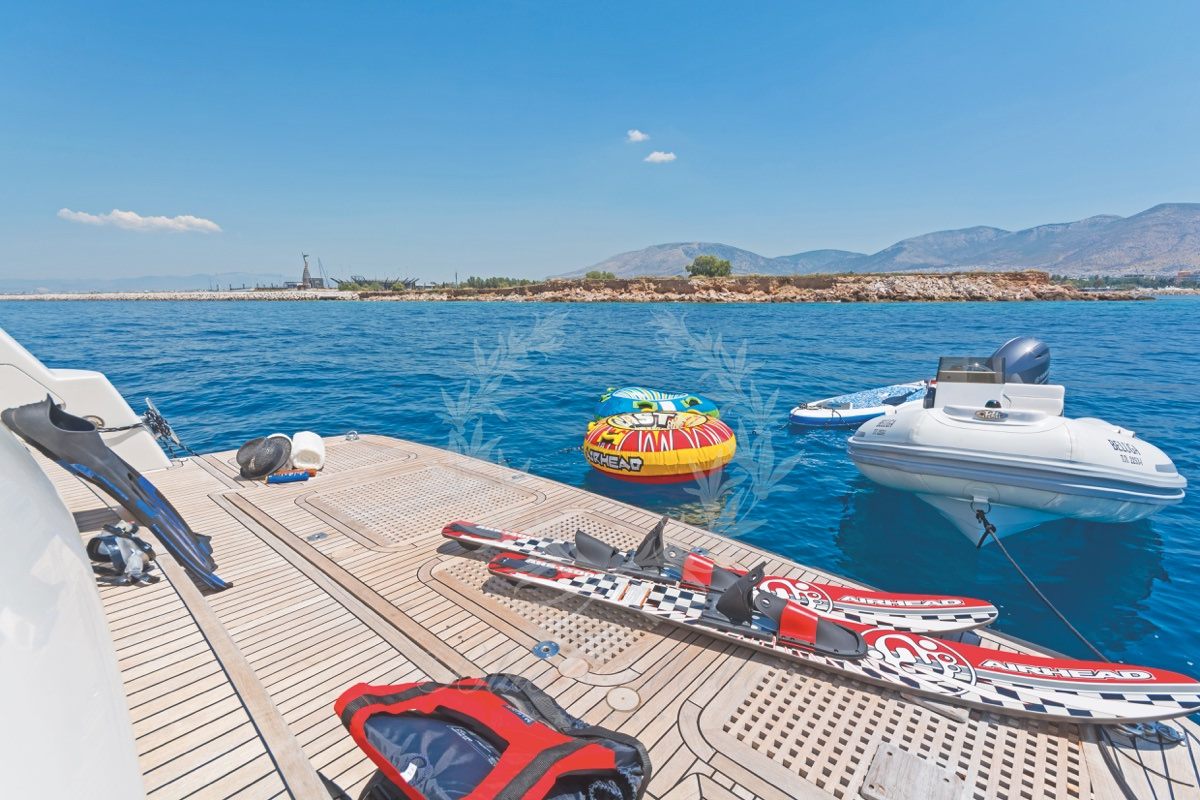 Luxury_Yacht_for_Charter_Mykonos_Greece_Beluga_12