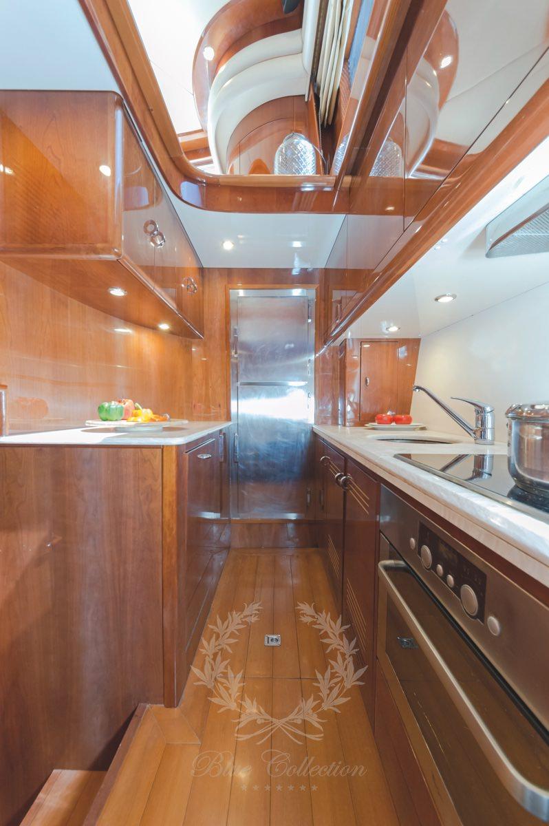 Luxury_Yacht_for_Charter_Mykonos_Greece_Beluga_17