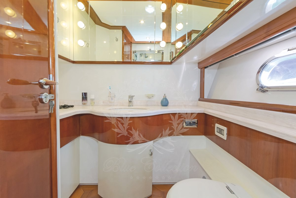 Luxury_Yacht_for_Charter_Mykonos_Greece_Beluga_20