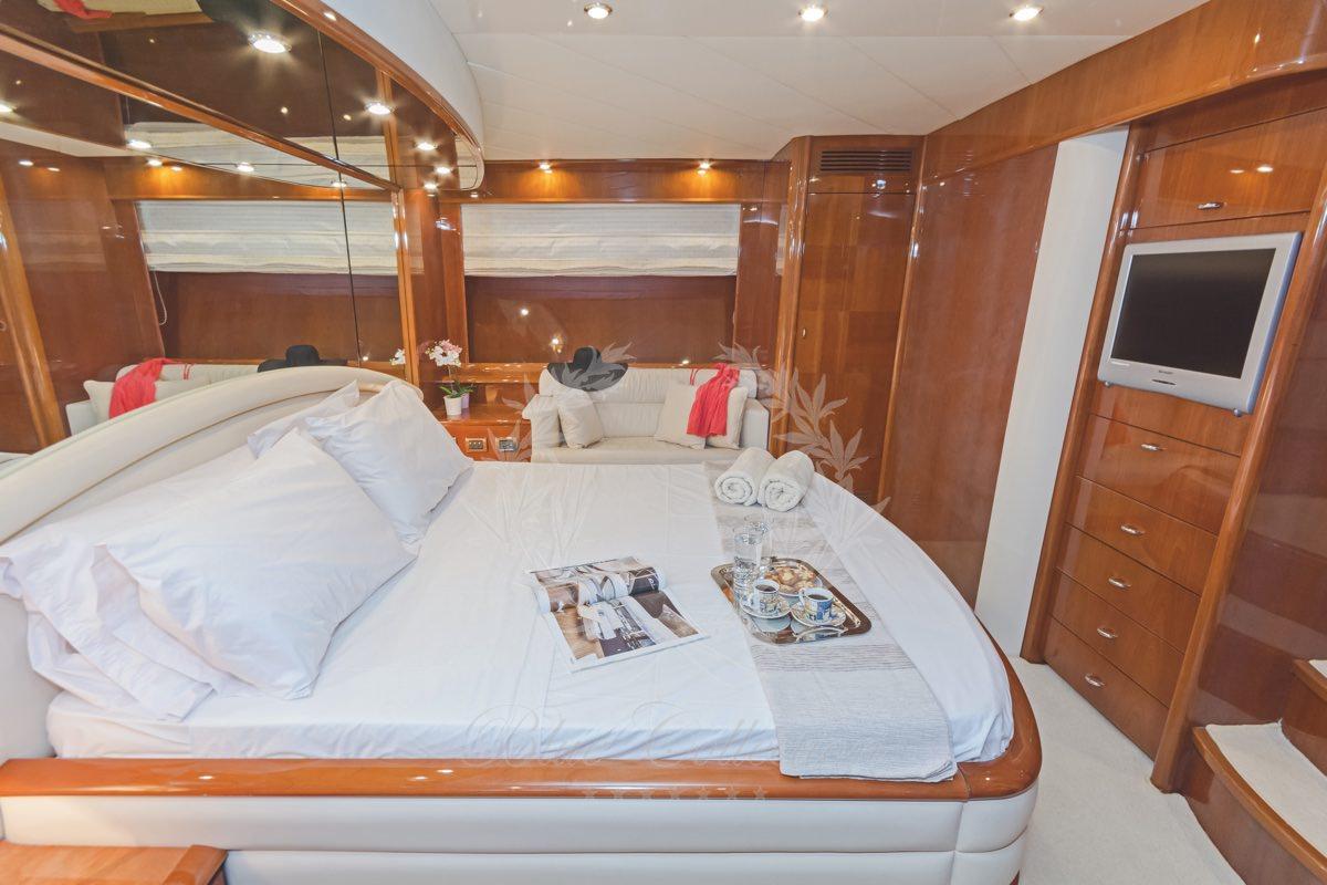 Luxury_Yacht_for_Charter_Mykonos_Greece_Beluga_22