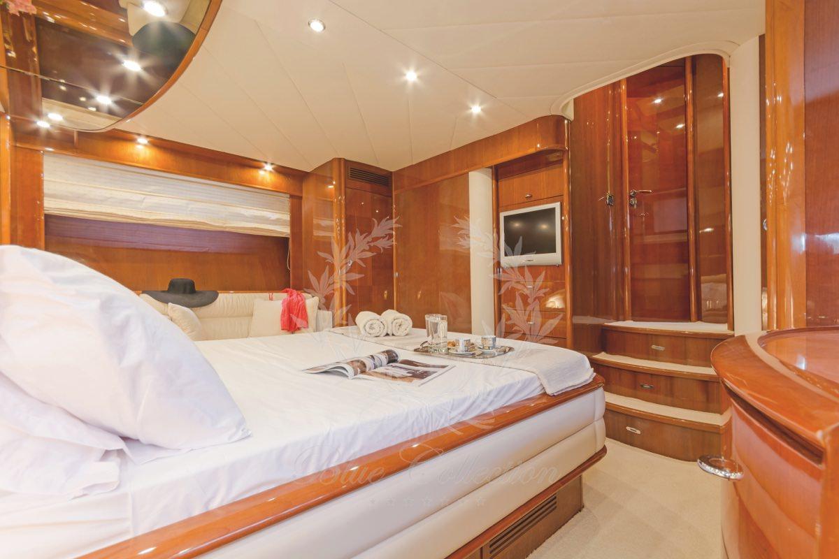 Luxury_Yacht_for_Charter_Mykonos_Greece_Beluga_23