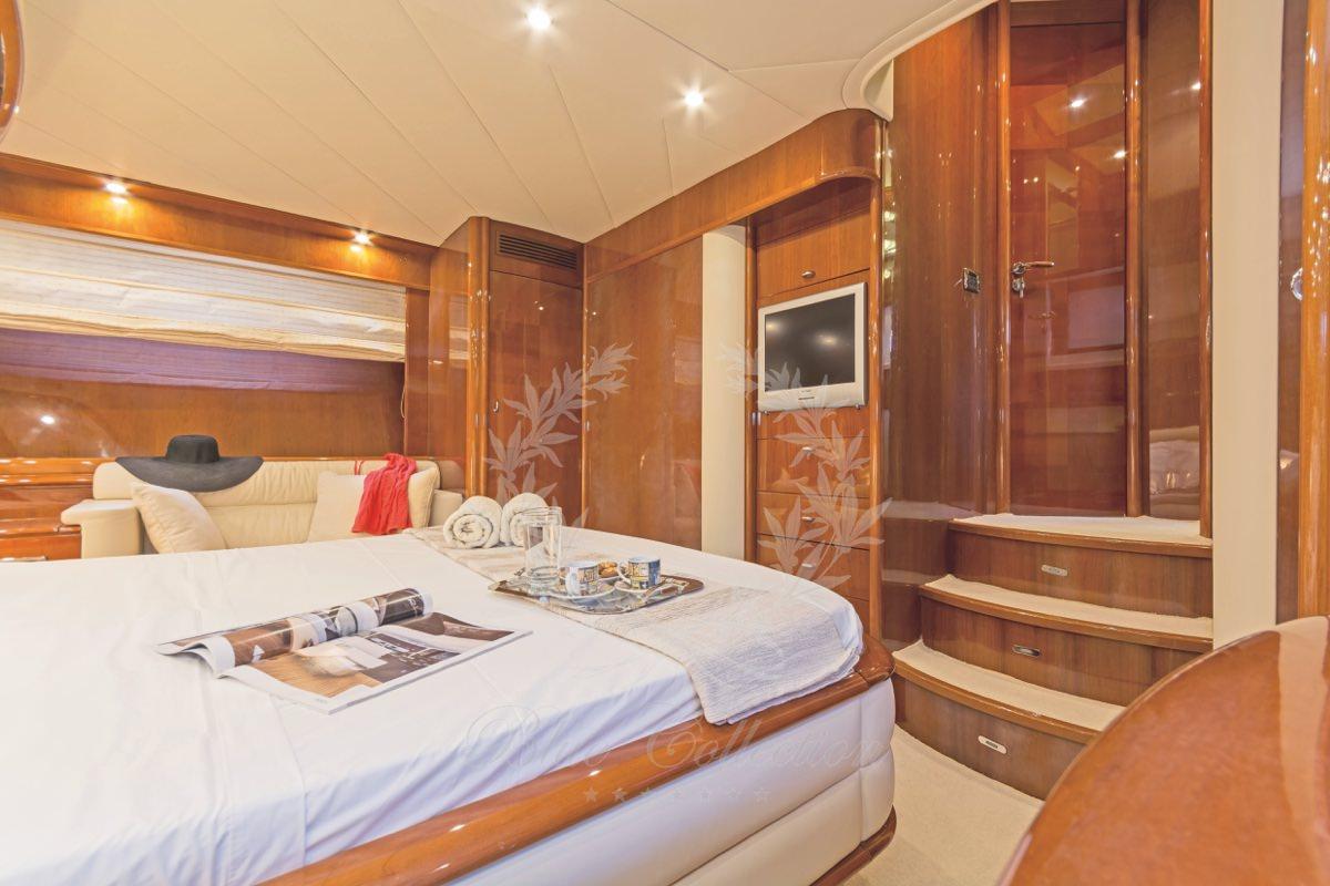Luxury_Yacht_for_Charter_Mykonos_Greece_Beluga_25