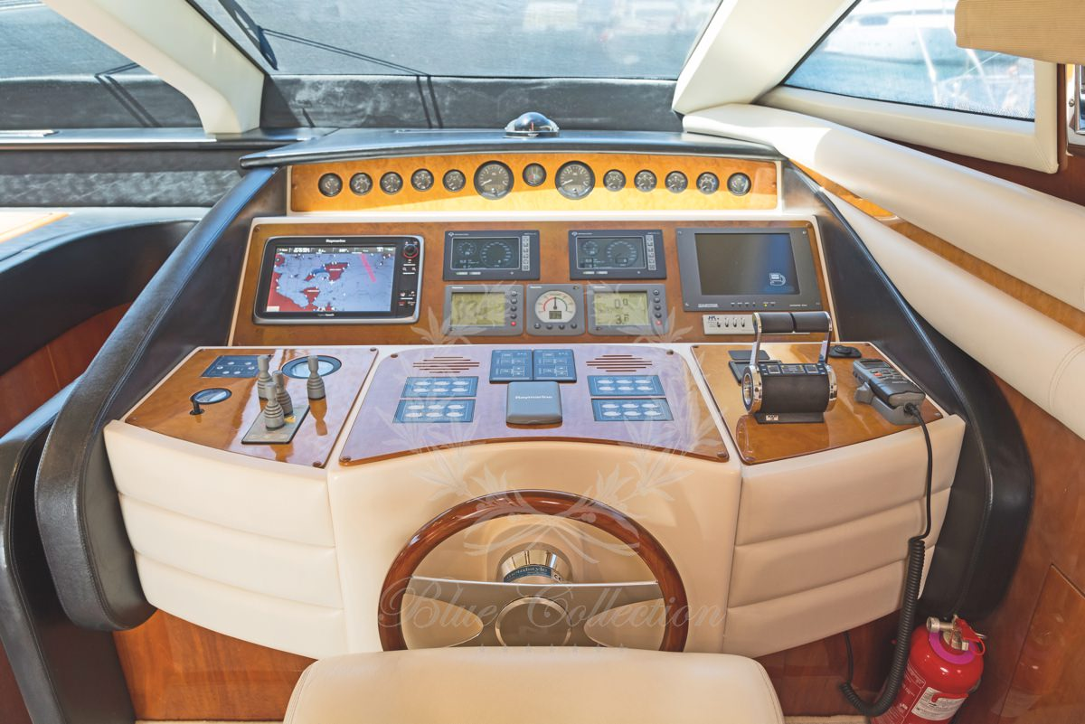 Luxury_Yacht_for_Charter_Mykonos_Greece_Beluga_27
