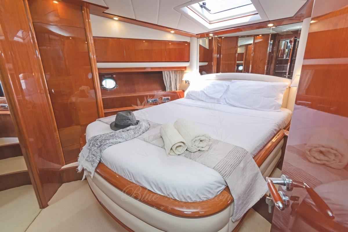 Luxury_Yacht_for_Charter_Mykonos_Greece_Beluga_36