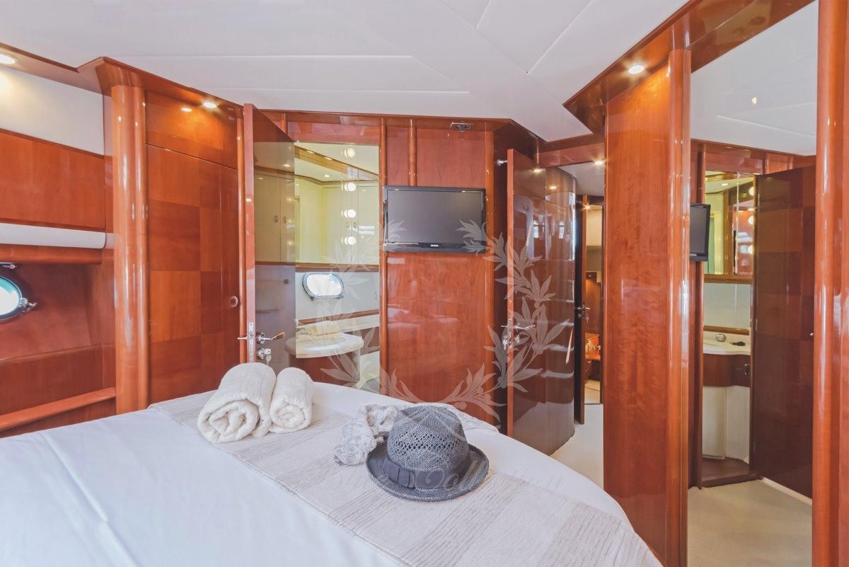 Luxury_Yacht_for_Charter_Mykonos_Greece_Beluga_37