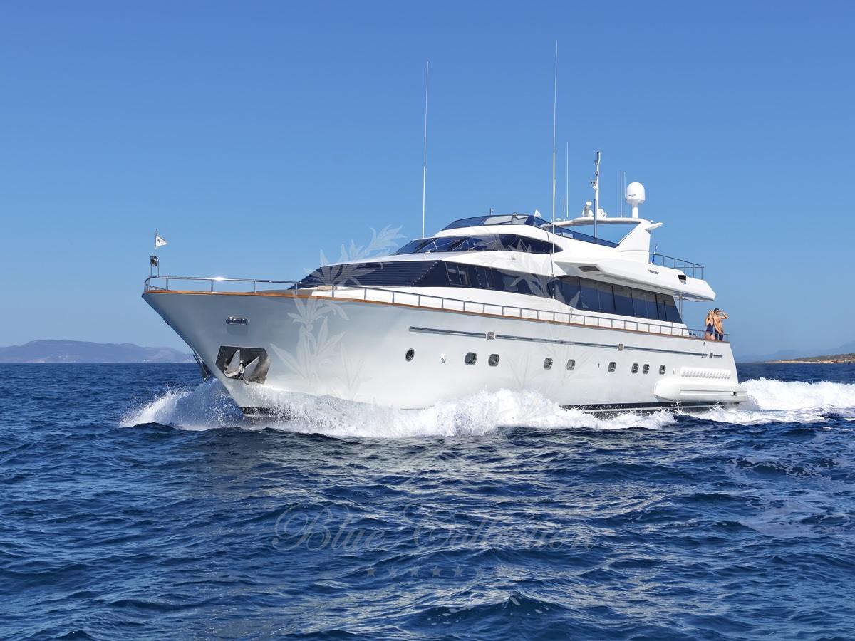 Luxury_Yacht_for_Charter_Mykonos_Greece_Maritina13