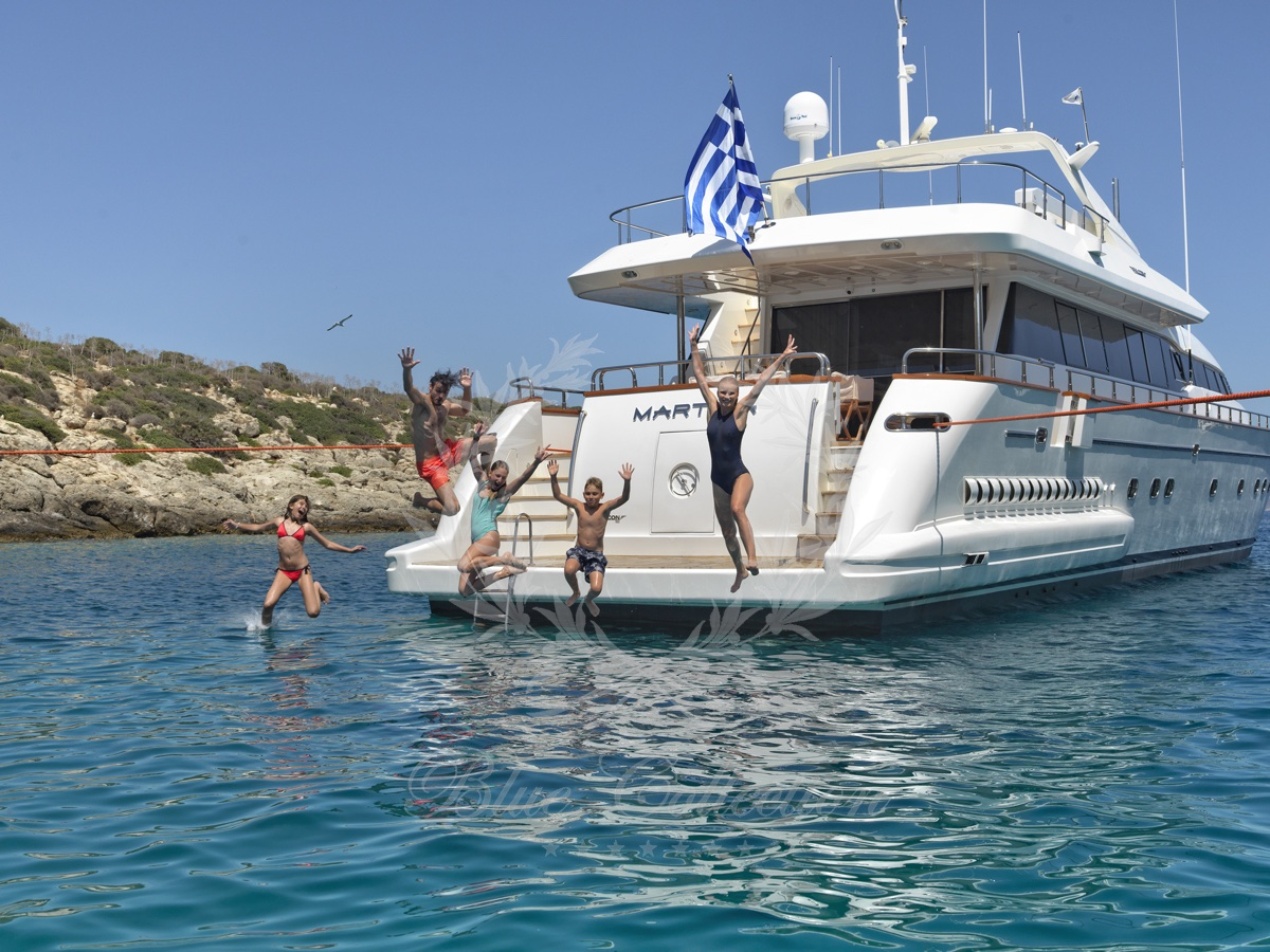 Luxury_Yacht_for_Charter_Mykonos_Greece_Maritina20