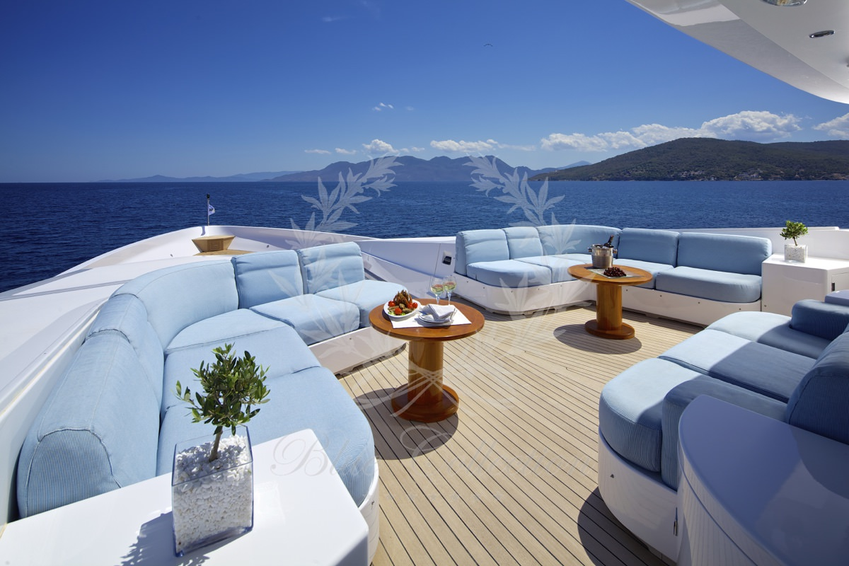 Luxury_Yacht_for_Charter_Mykonos_Greece_Oceanos_14