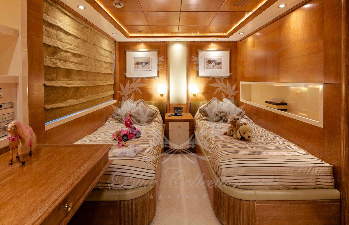Luxury_Yacht_for_Charter_Mykonos_Greece_Oceanos_16