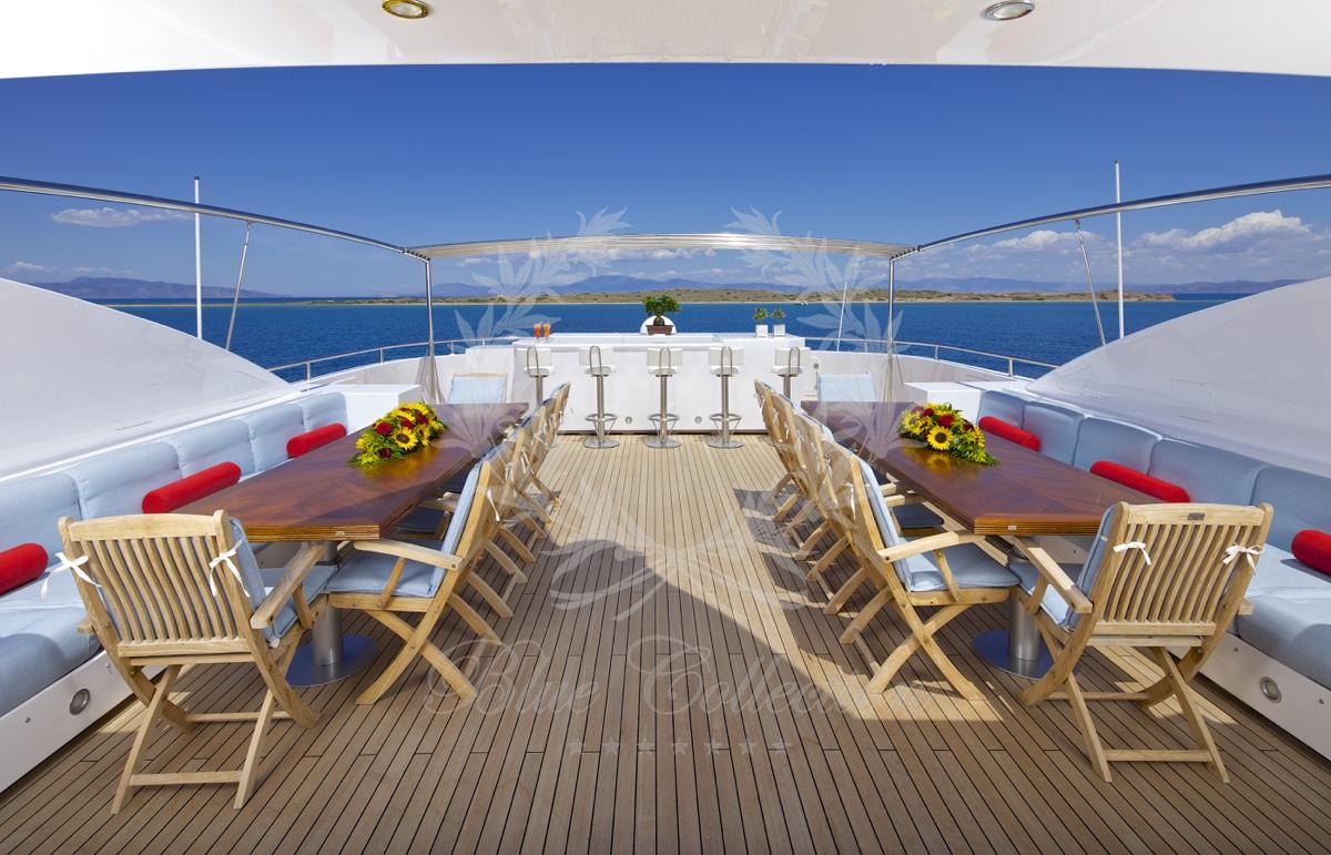 Luxury_Yacht_for_Charter_Mykonos_Greece_Oceanos_21