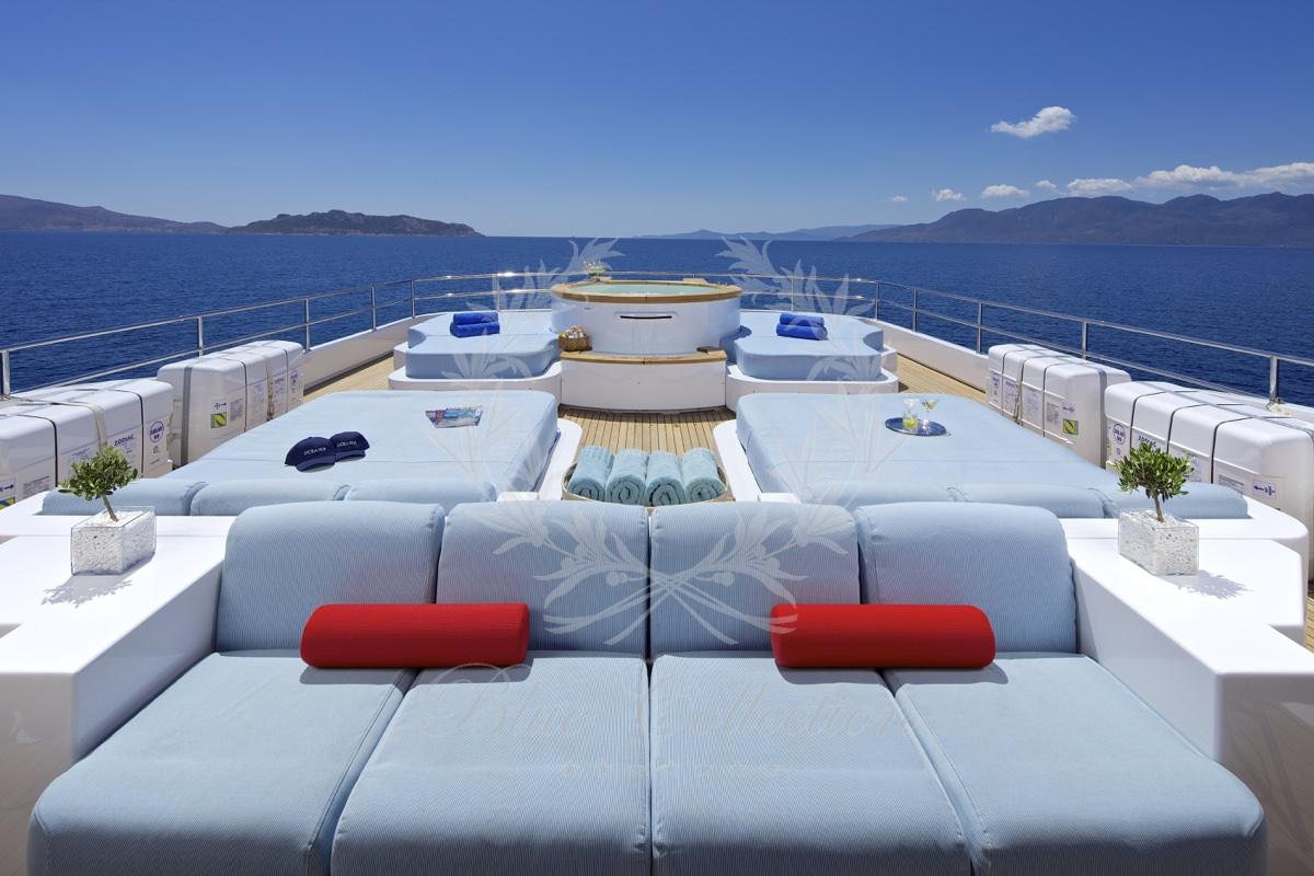 Luxury_Yacht_for_Charter_Mykonos_Greece_Oceanos_22