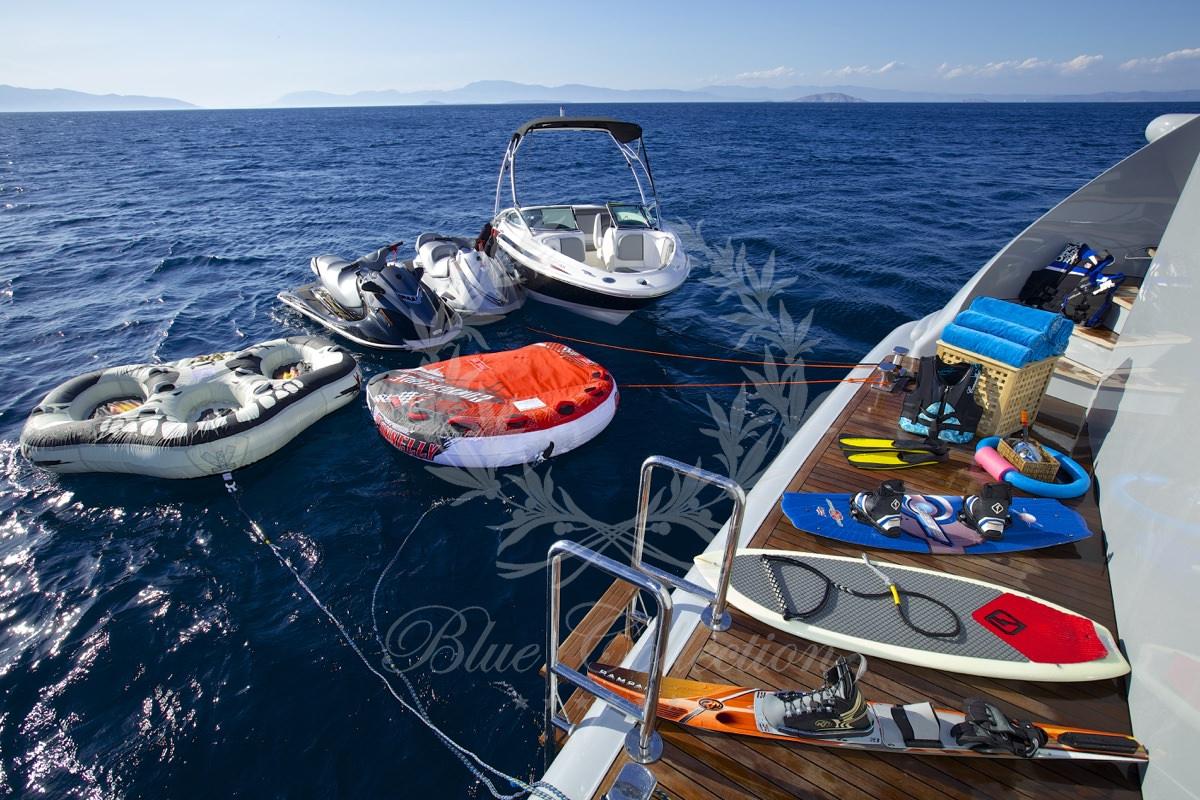 Luxury_Yacht_for_Charter_Mykonos_Greece_Oceanos_26