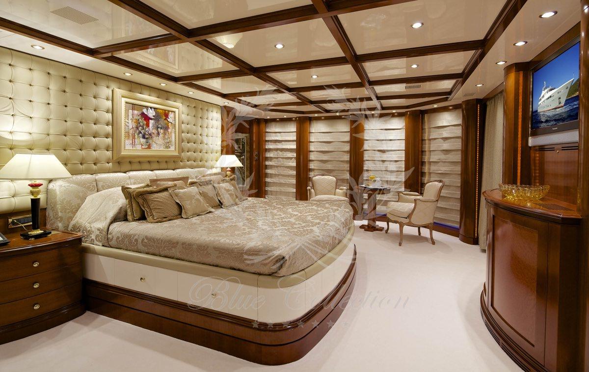 Luxury_Yacht_for_Charter_Mykonos_Greece_Oceanos_5