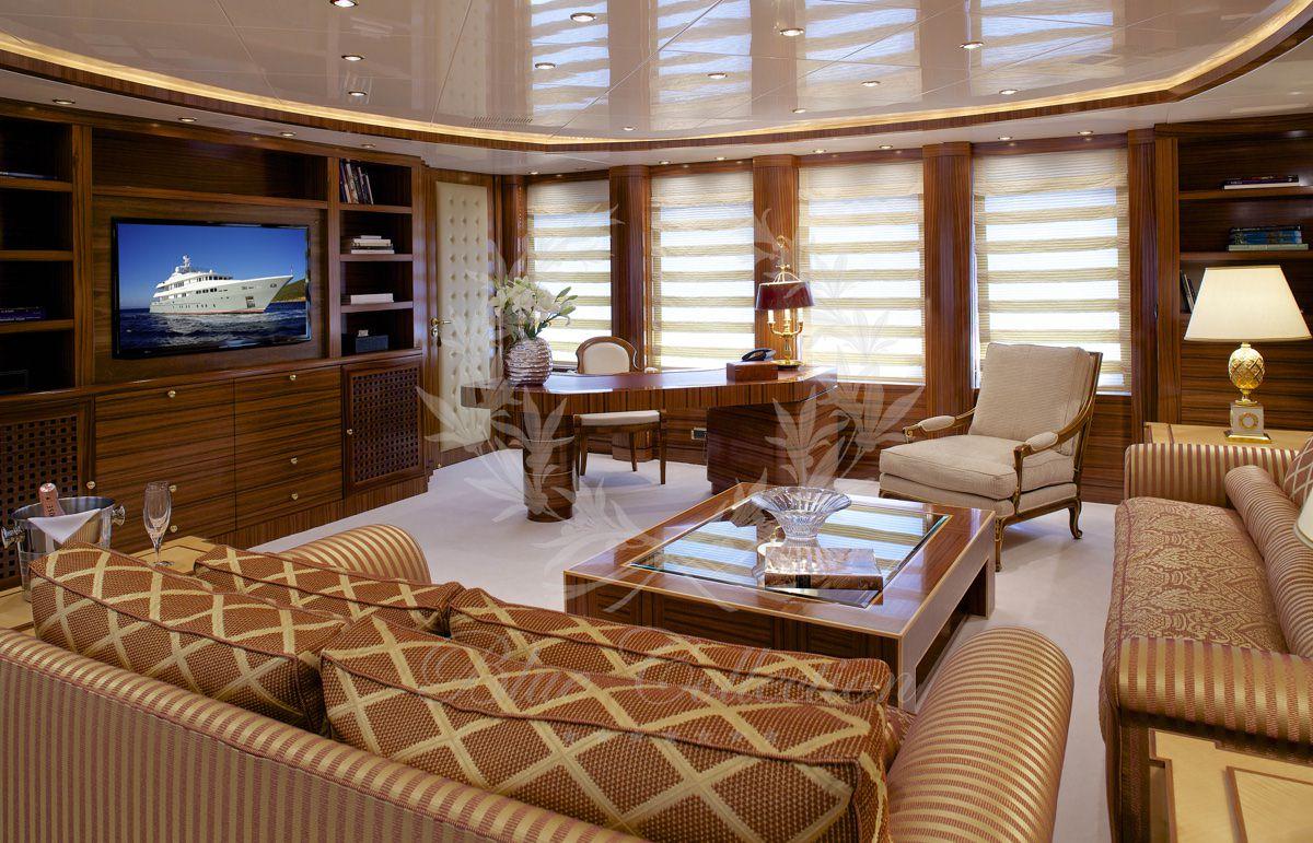 Luxury_Yacht_for_Charter_Mykonos_Greece_Oceanos_8
