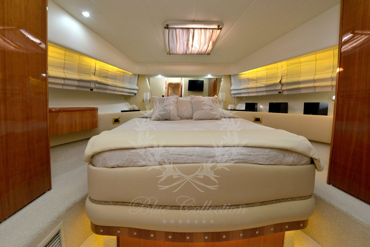 Luxury_Yacht_for_Charter_Mykonos_Greece_Poseidon_110