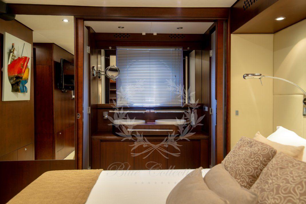 Luxury_Yacht_for_Charter_Mykonos_Greece_Ulisse_14