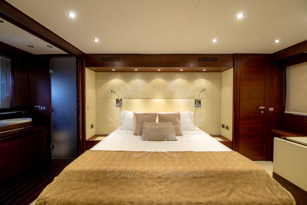 Luxury_Yacht_for_Charter_Mykonos_Greece_Ulisse_15