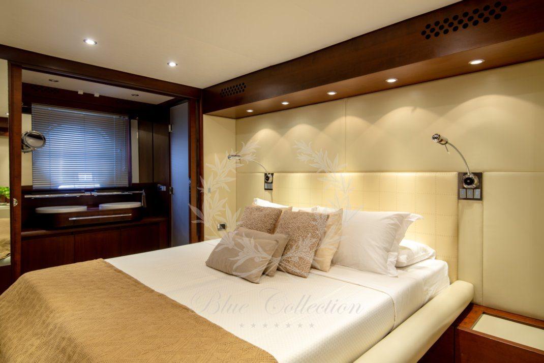 Luxury_Yacht_for_Charter_Mykonos_Greece_Ulisse_17