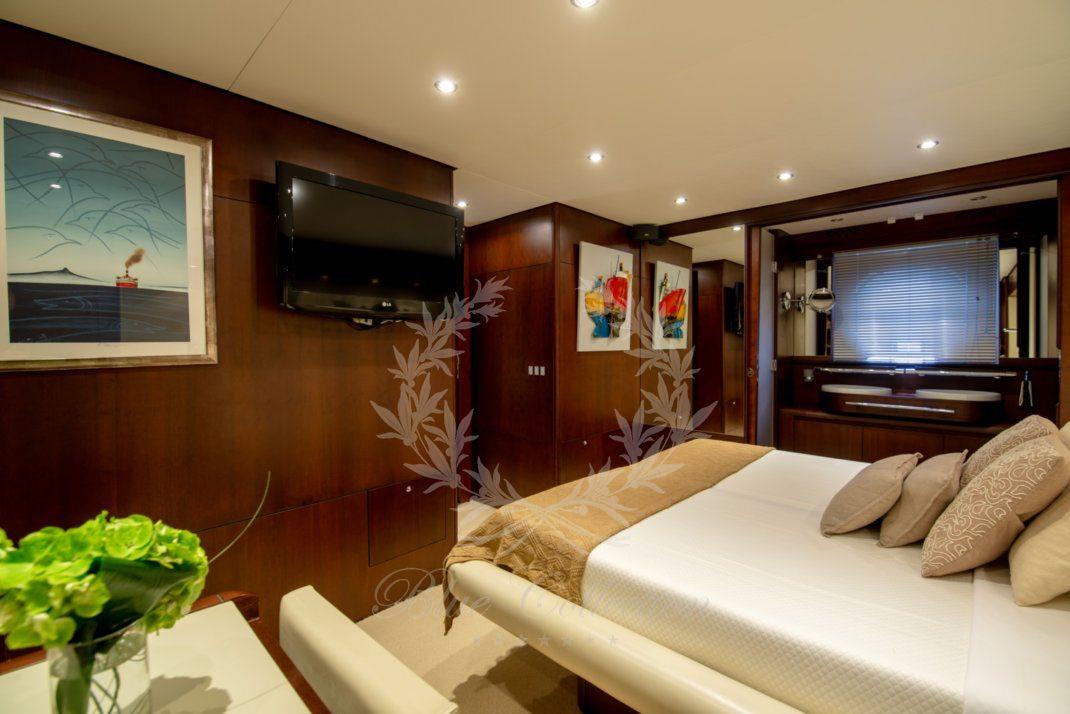Luxury_Yacht_for_Charter_Mykonos_Greece_Ulisse_18