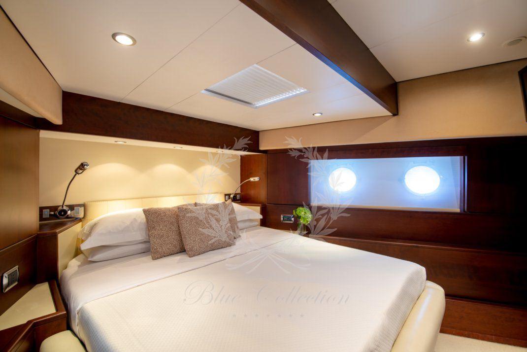 Luxury_Yacht_for_Charter_Mykonos_Greece_Ulisse_26