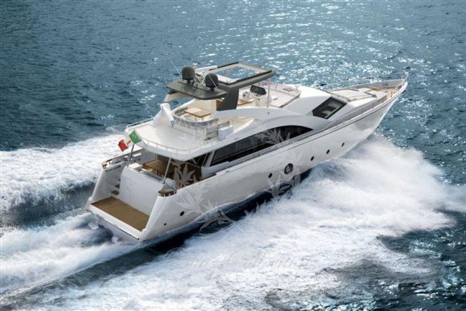 Luxury_Yacht_for_Charter_Mykonos_Greece_Ulisse_6