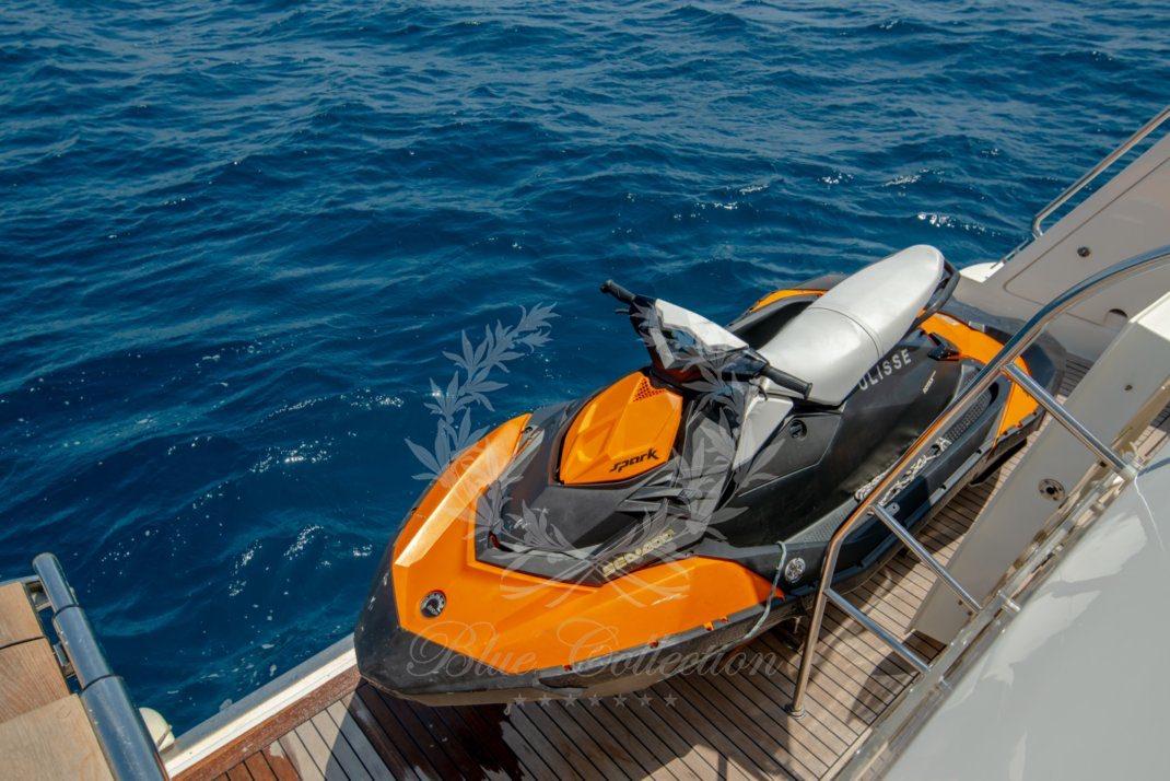 Luxury_Yacht_for_Charter_Mykonos_Greece_Ulisse_9