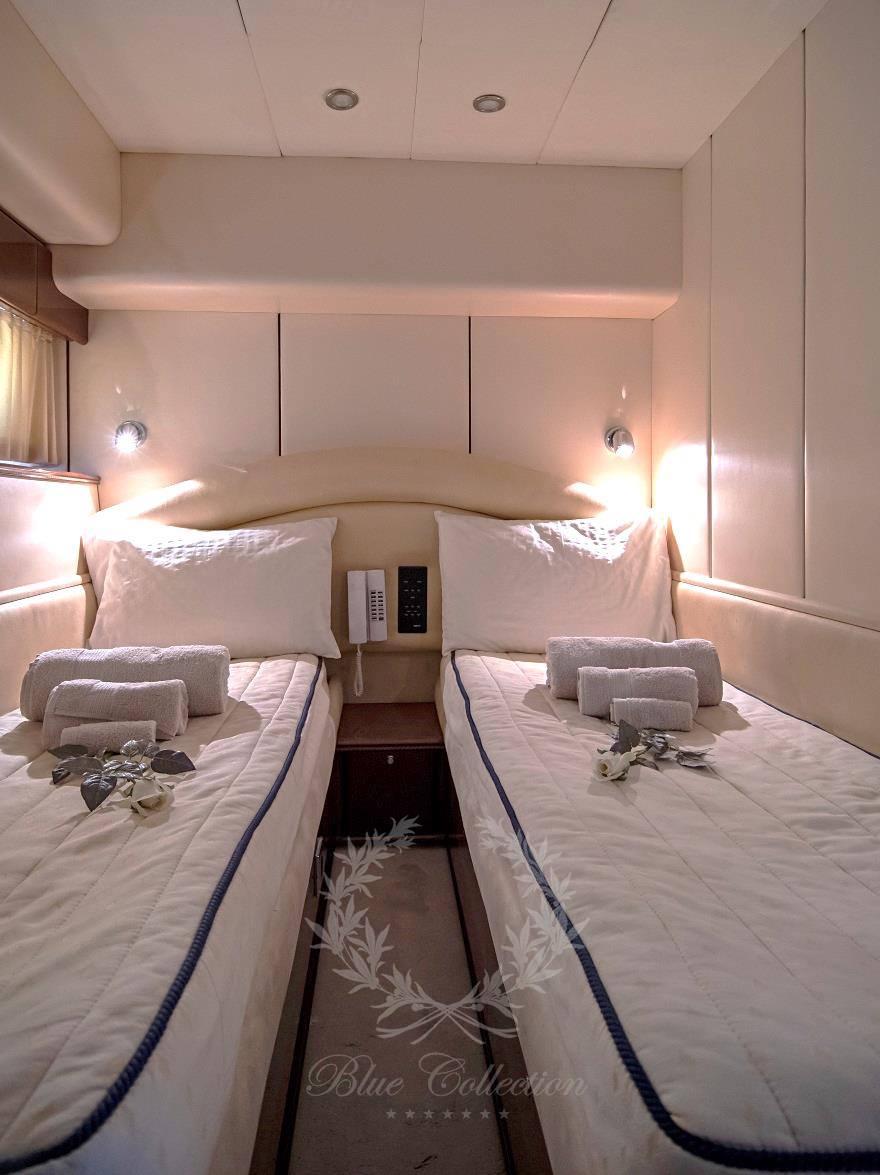 Luxury_Yacht_for_Charter_Mykonos_Greece_Venali_11
