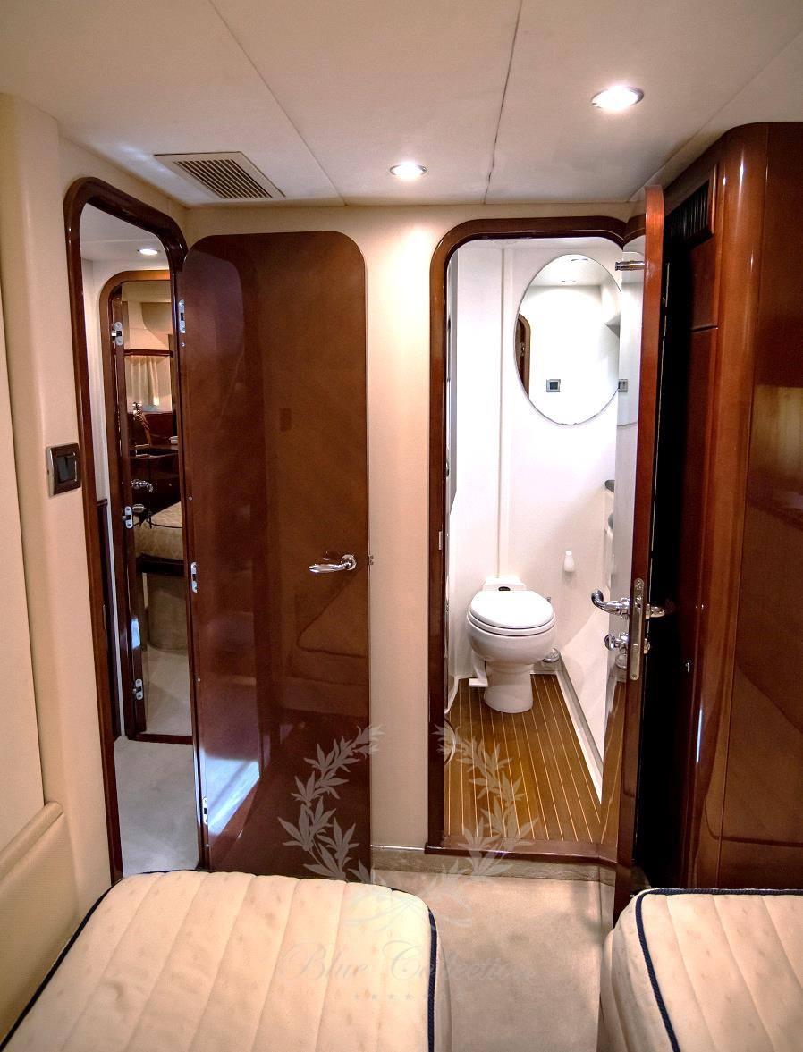 Luxury_Yacht_for_Charter_Mykonos_Greece_Venali_12
