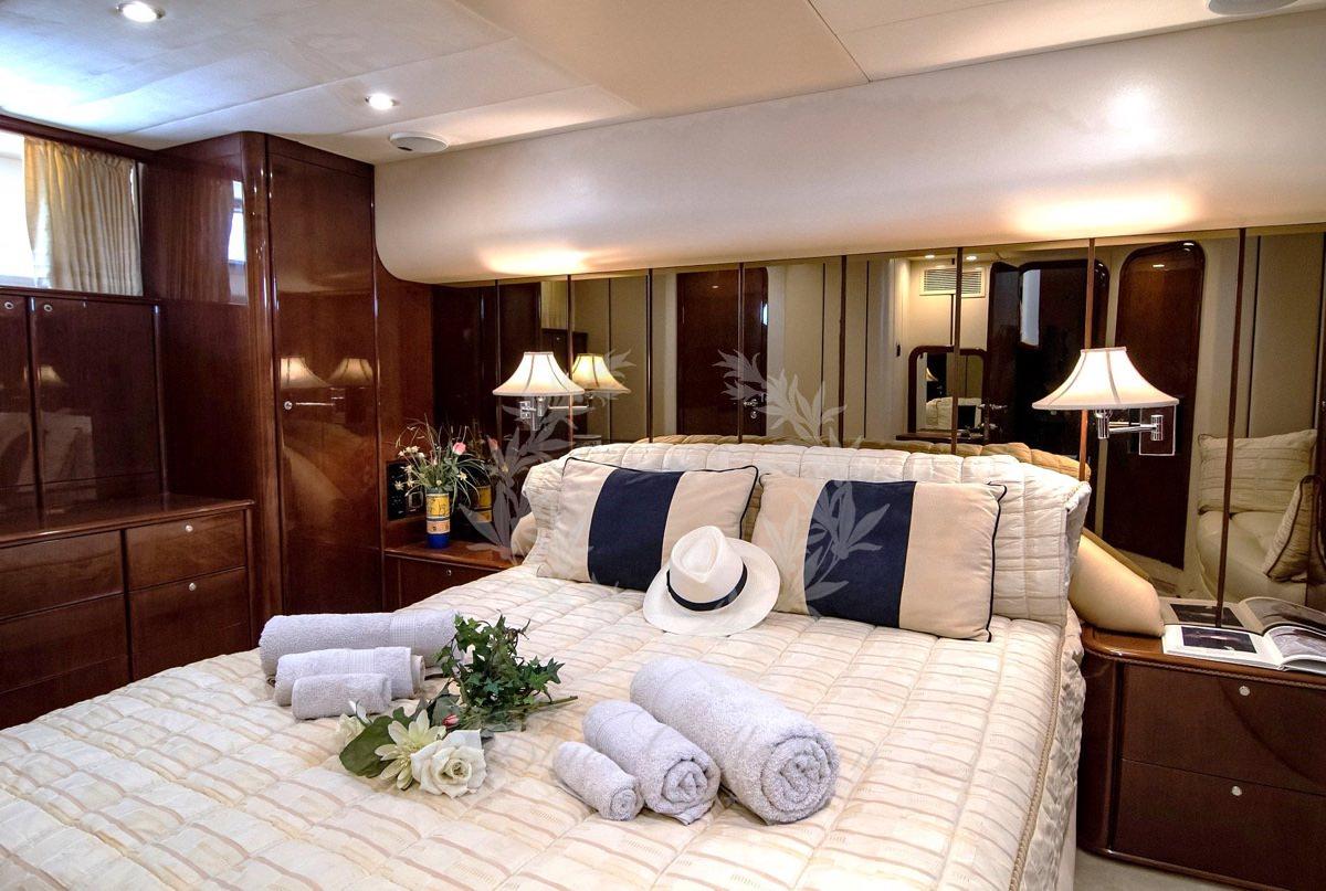 Luxury_Yacht_for_Charter_Mykonos_Greece_Venali_9