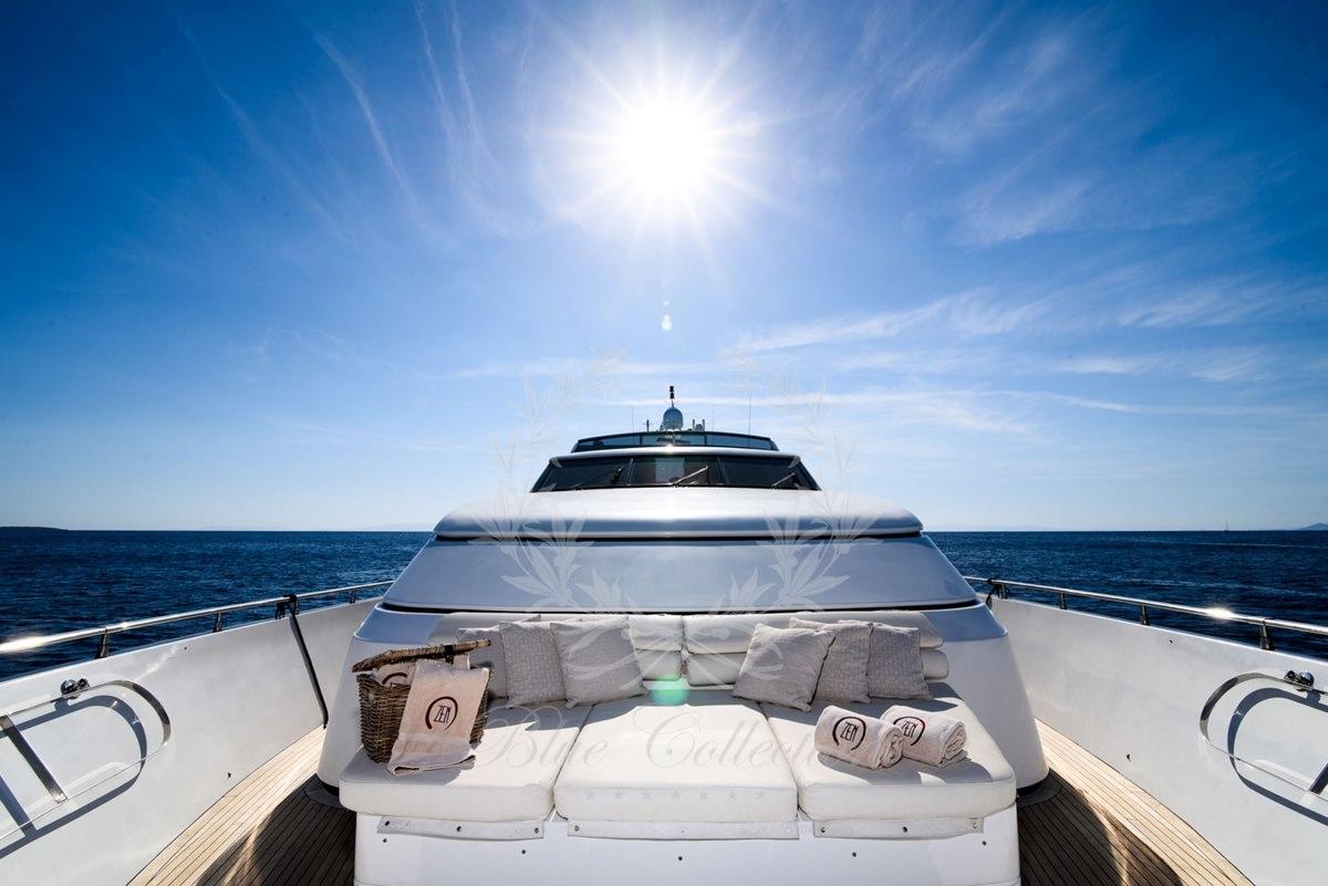 Luxury_Yacht_for_Charter_Mykonos_Greece_my_zen_1