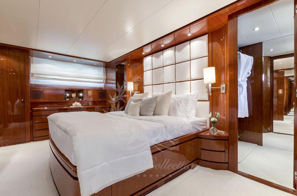 Luxury_Yacht_for_Charter_Mykonos_Greece_my_zen_10