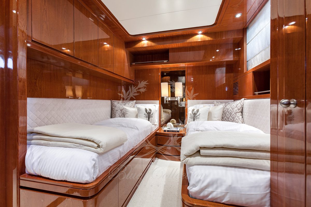 Luxury_Yacht_for_Charter_Mykonos_Greece_my_zen_11