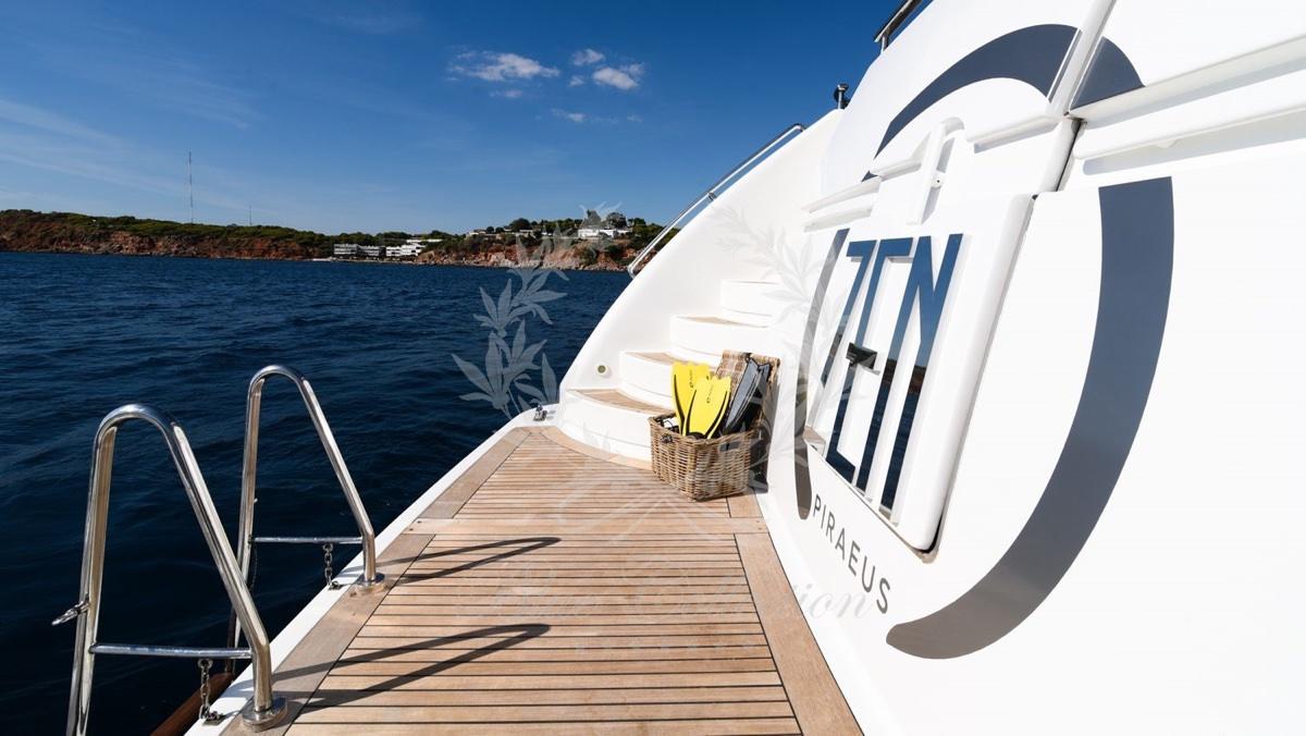Luxury_Yacht_for_Charter_Mykonos_Greece_my_zen_15