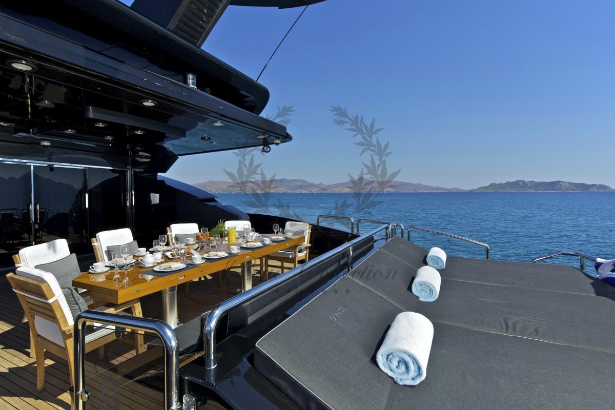 Luxury_Yacht_Charters_Blue_Yachting_Greece_OPATI (7)