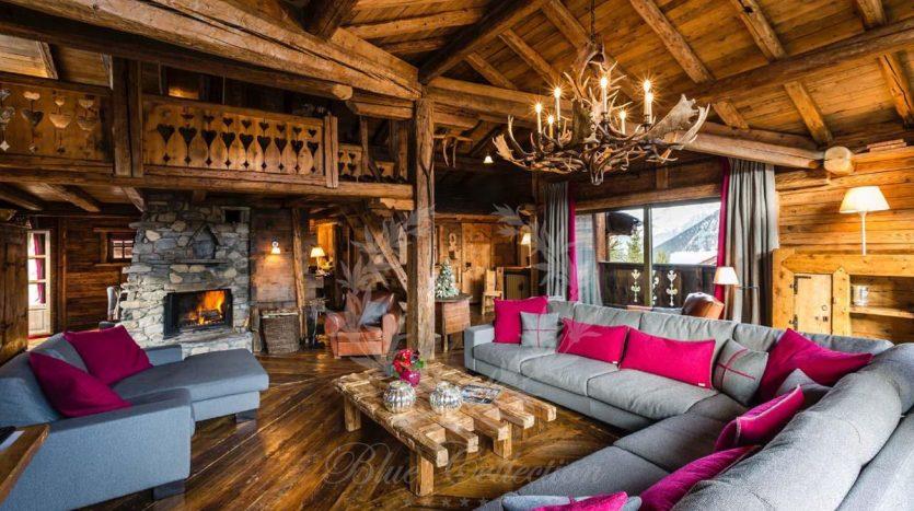 Blue_Collection_Luxury_Villa_Chalet_Rentals_Premium_Services (5)