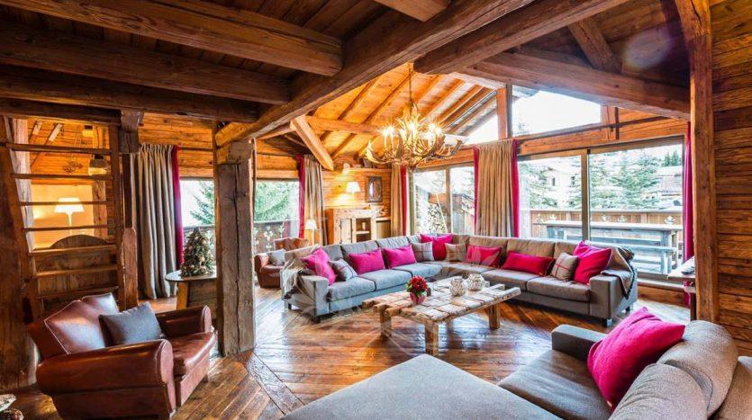 Blue_Collection_Luxury_Villa_Chalet_Rentals_Premium_Services (8)